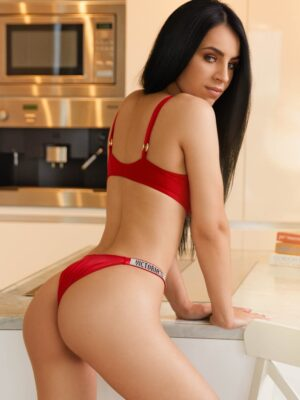 Marble Arch London Escort Adrianna 34B from £150 for 1hr at Diamond Kittycats