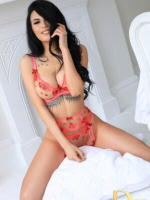 High Street Kensingtron London Escort Sasha